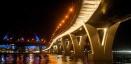 На Яхтенном мосту установили светильники и прожекторы