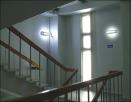 В многоквартирных домах выявили нарушения в работе аварийных светильников